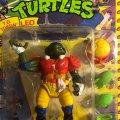 T.D. Tossin' Leo - The Pigskin Passin' Football Fighter! | Teenage Mutant Ninja Turtles (Sewer Sports All-Stars) - Playmates Toys 1991 фото-2